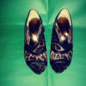 Cheetah print side zipper heels